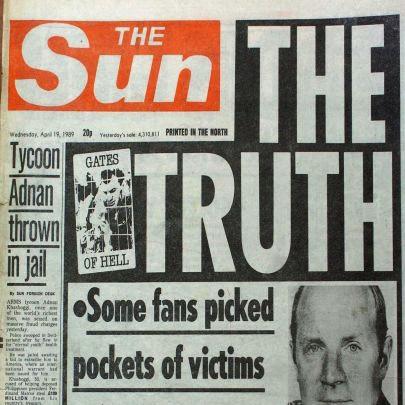 ▲ 영국 최고 발행부수를 자랑하는 타블로이드지 The Sun은 힐스버러 참사 4일 후 'The Truth' 라는 기사를 냈으나 제목과 달리 기사는 거짓으로 일관해 지금도 리버풀 팬들은 이 신문에 대해 극심한 반감을 보이고 있다.
