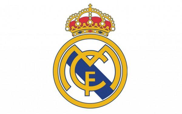 ▲ 마드리는 FC는 스페인 국왕으로부터 레알이라는 이름과 함께 엠블런에 들어가는알폰소 국왕의 왕관도 같이 수여 받았다. 1931년에 공화혁명으로 인해 스페인에서는 군주제가 폐지되어 클럽이름에서 레알이라는 명칭과 왕관이 사라지게 되나, 1941년에 이들은 다시 복원되었다.